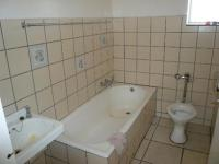 Main Bathroom - 5 square meters of property in Kwaggasrand