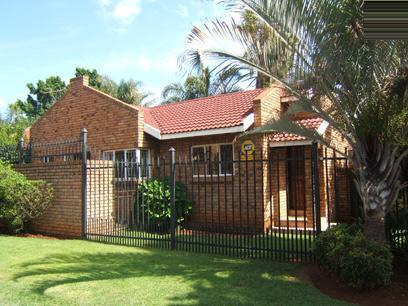 3 Bedroom Simplex For Sale in Karenpark - Home Sell - MR51167