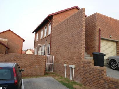 Front View of property in Rooihuiskraal