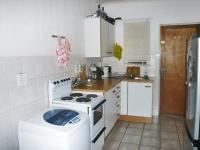 Kitchen - 5 square meters of property in Alberton