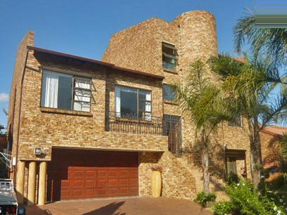 4 Bedroom House for Sale For Sale in Constantia Kloof - Private Sale - MR51292
