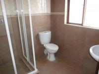 Bathroom 1 - 14 square meters of property in Montana Tuine