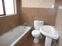 Bathroom 2 - 10 square meters of property in Montana Tuine