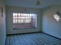 Lounges - 6 square meters of property in Krugersdorp