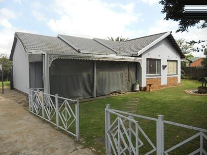 Standard Bank Repossessed 3 Bedroom House for Sale For Sale in Brakpan - MR51469
