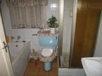 Bathroom 1 - 6 square meters of property in Danville
