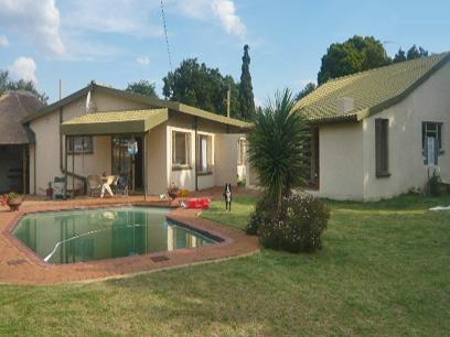 4 Bedroom House for Sale For Sale in Benoni - Home Sell - MR52286