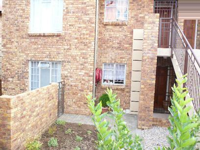 2 Bedroom Simplex For Sale in Theresapark - Home Sell - MR52335