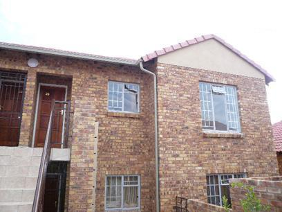 2 Bedroom Simplex for Sale For Sale in Theresapark - Home Sell - MR52338