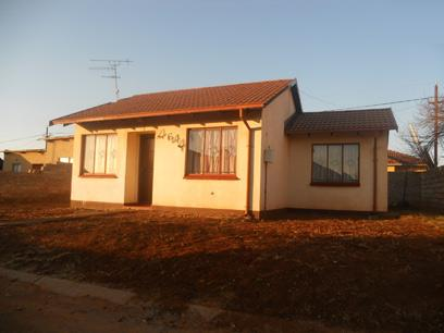 Standard Bank Repossessed 2 Bedroom House For Sale in Protea Glen - MR52465