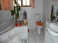 Bathroom 1 - 8 square meters of property in Montana Park