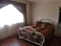 Main Bedroom - 23 square meters of property in Krugersdorp