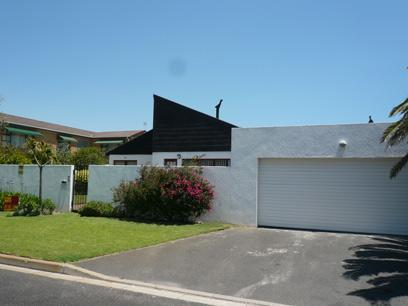 4 Bedroom House for Sale For Sale in Flamingo Vlei - Private Sale - MR53281