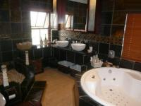Main Bathroom - 12 square meters of property in Sonstraal