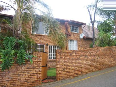2 Bedroom Duplex for Sale For Sale in Garsfontein - Home Sell - MR54169