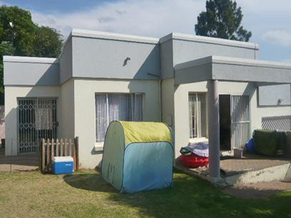 2 Bedroom Simplex For Sale in Midrand - Private Sale - MR54271