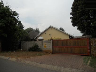 Standard Bank EasySell 3 Bedroom House for Sale For Sale in Germiston - MR54515