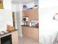 Kitchen - 15 square meters of property in Sinoville