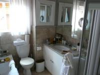 Main Bathroom - 5 square meters of property in Silver Lakes Golf Estate