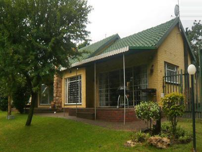 3 Bedroom House for Sale For Sale in Krugersdorp - Home Sell - MR56288