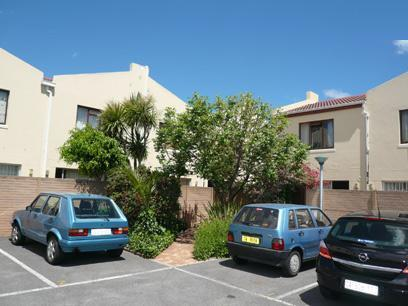 2 Bedroom Simplex For Sale in Tokai  - Private Sale - MR56291