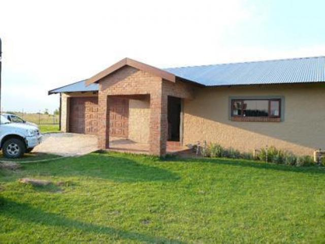 2 Bedroom House for Sale For Sale in Donkerhoek - Private Sale - MR56334