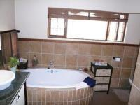 Main Bathroom - 12 square meters of property in Donkerhoek