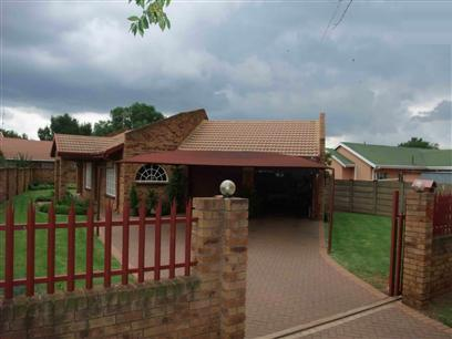 2 Bedroom House to Rent in Meyerton - Property to rent - MR56337