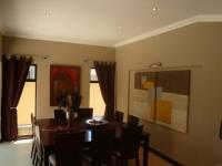 Dining Room - 20 square meters of property in Bloubergstrand