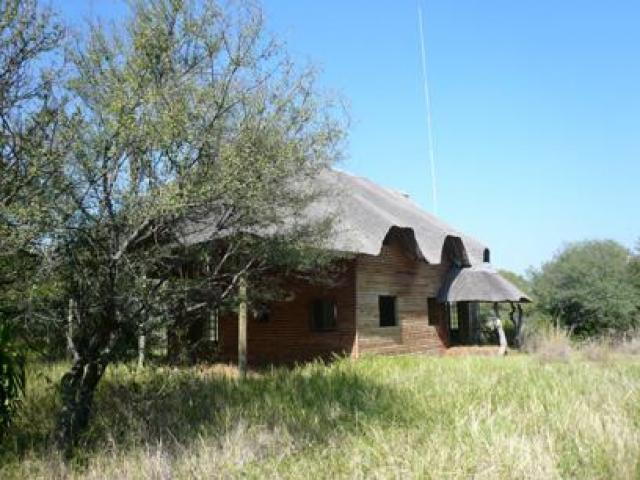 Standard Bank Repossessed Smallholding on online auction in Hartbeespoort - MR56454