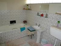 Bathroom 2 of property in Parow North