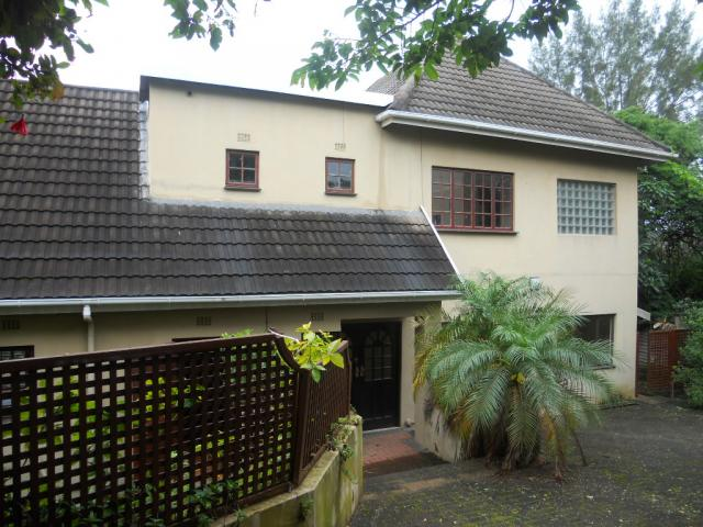Standard Bank Repossessed 5 Bedroom House on online auction in Umkomaas - MR56520