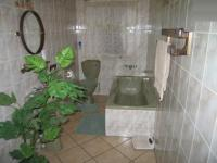 Main Bathroom - 7 square meters of property in Capital Park