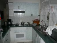 Kitchen - 12 square meters of property in Stone Ridge Country Estate