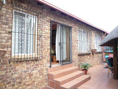 3 Bedroom House for Sale For Sale in Eldoraigne - Private Sale - MR57333