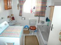 Bathroom 2 - 2 square meters of property in Eldoraigne