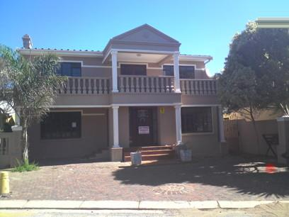 Standard Bank Repossessed 4 Bedroom House for Sale For Sale in Jeffrey's Bay - MR57455