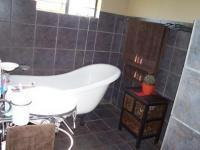 Main Bathroom of property in Kameeldrift