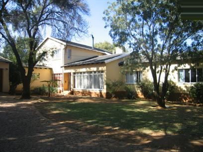 4 Bedroom House for Sale For Sale in Waterkloof Ridge - Home Sell - MR58118