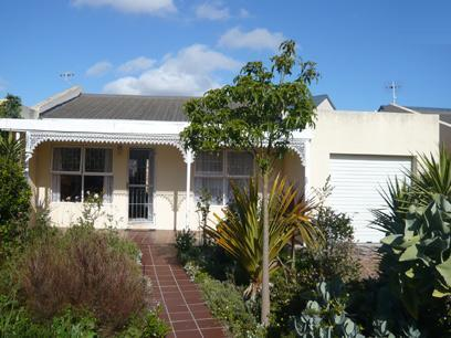 2 Bedroom House for Sale For Sale in Bloubergstrand - Private Sale - MR58271