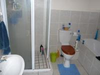 Main Bathroom - 9 square meters of property in Parklands