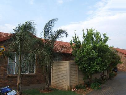 2 Bedroom Simplex For Sale in Highveld - Private Sale - MR59271