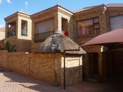 3 Bedroom Duplex For Sale in Krugersdorp - Home Sell - MR59285
