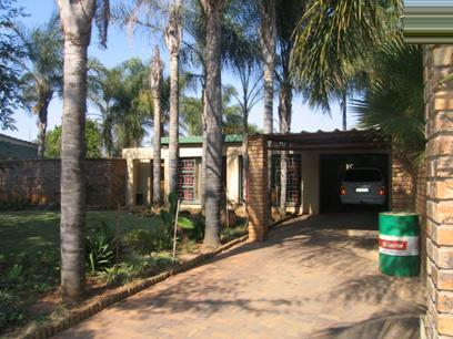 4 Bedroom House for Sale For Sale in Eloffsdal - Private Sale - MR60111