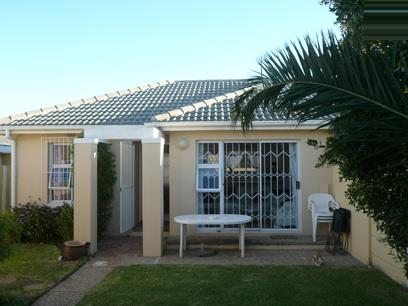 2 Bedroom House For Sale in Sunningdale - CPT - Private Sale - MR60271
