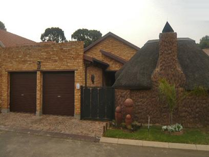 3 Bedroom House For Sale in Kempton Park - Home Sell - MR60295