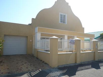 4 Bedroom House for Sale For Sale in Parow Central - Private Sale - MR60343