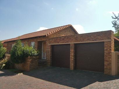 3 Bedroom Simplex for Sale For Sale in Wilgeheuwel  - Home Sell - MR60346