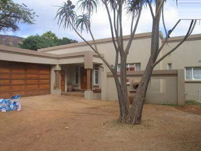 4 Bedroom House For Sale in Pretoria North - Home Sell - MR61128