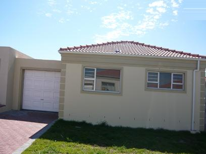 2 Bedroom House for Sale For Sale in Brackenfell - Private Sale - MR61274